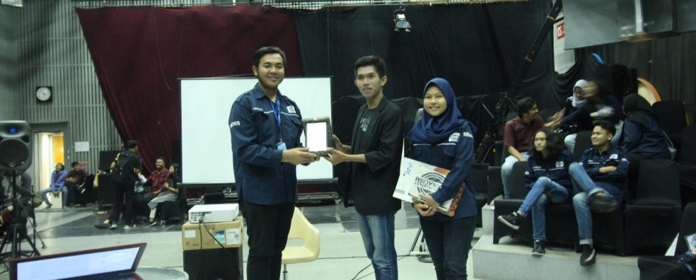 WORKSHOP ENTREPRENEUR JOURNALISM OLEH UKM ATVI BROADCAST JOURNALISM 1