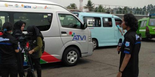 Asiknya Praktik Live Report dengan Mobil OB Van Cover